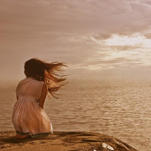 girl-alone-ocean-summer-surf-Favim.com-541888