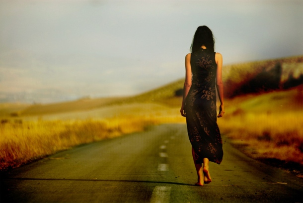 alone-beautiful-girl-street-walking-Favim.com-148909